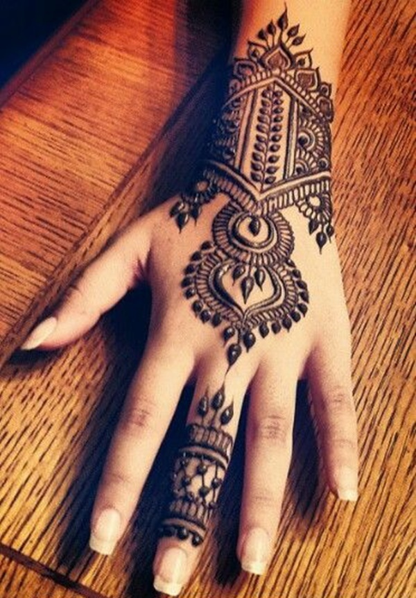 100 striking henna tattoos design for girls tattoosera. Black Bedroom Furniture Sets. Home Design Ideas