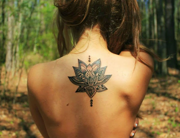 Upper Back Tattoos for Women 16