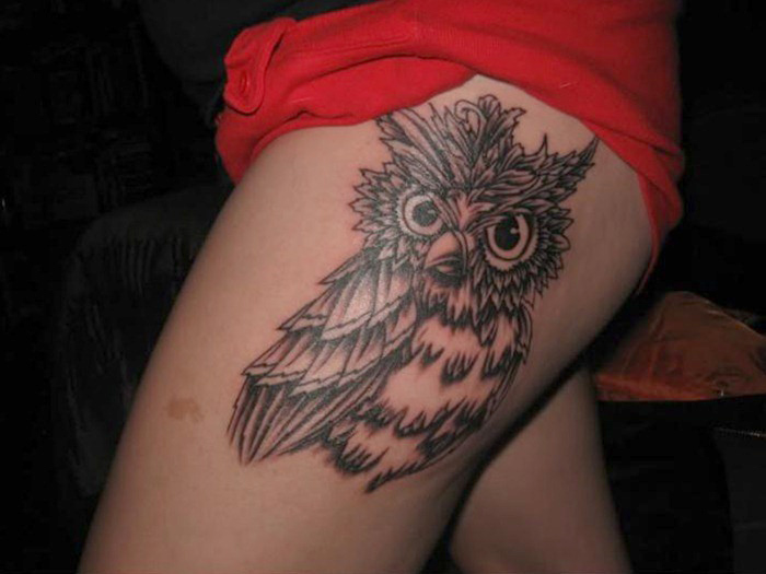 Stimulating Thigh Tattoos 41