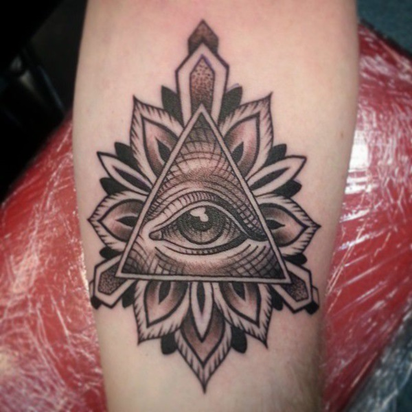 Stunning Black And Grey Tattoos 50