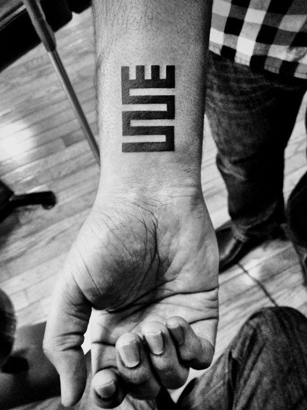 Cool Wrist Tattoos Design and Ideas For Men & Women