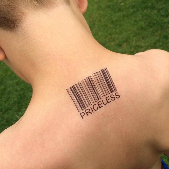 Desenhos de tatuagem de logotipo personalizado nas costas